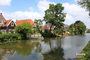 Сады в голландской деревне Эдам